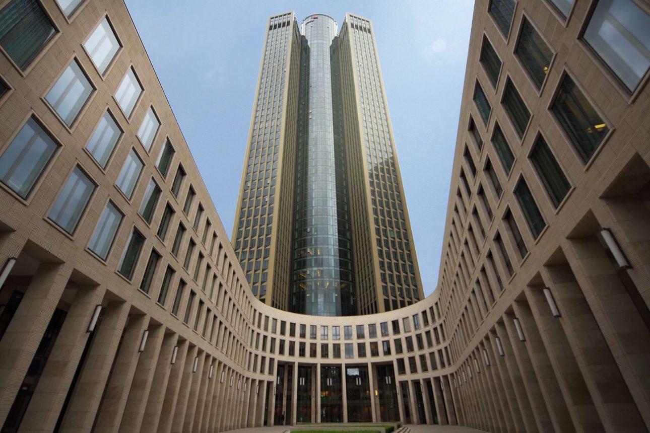 Die Außenfassade Office Tower Frankfurt. Entworfen von JOI-Design