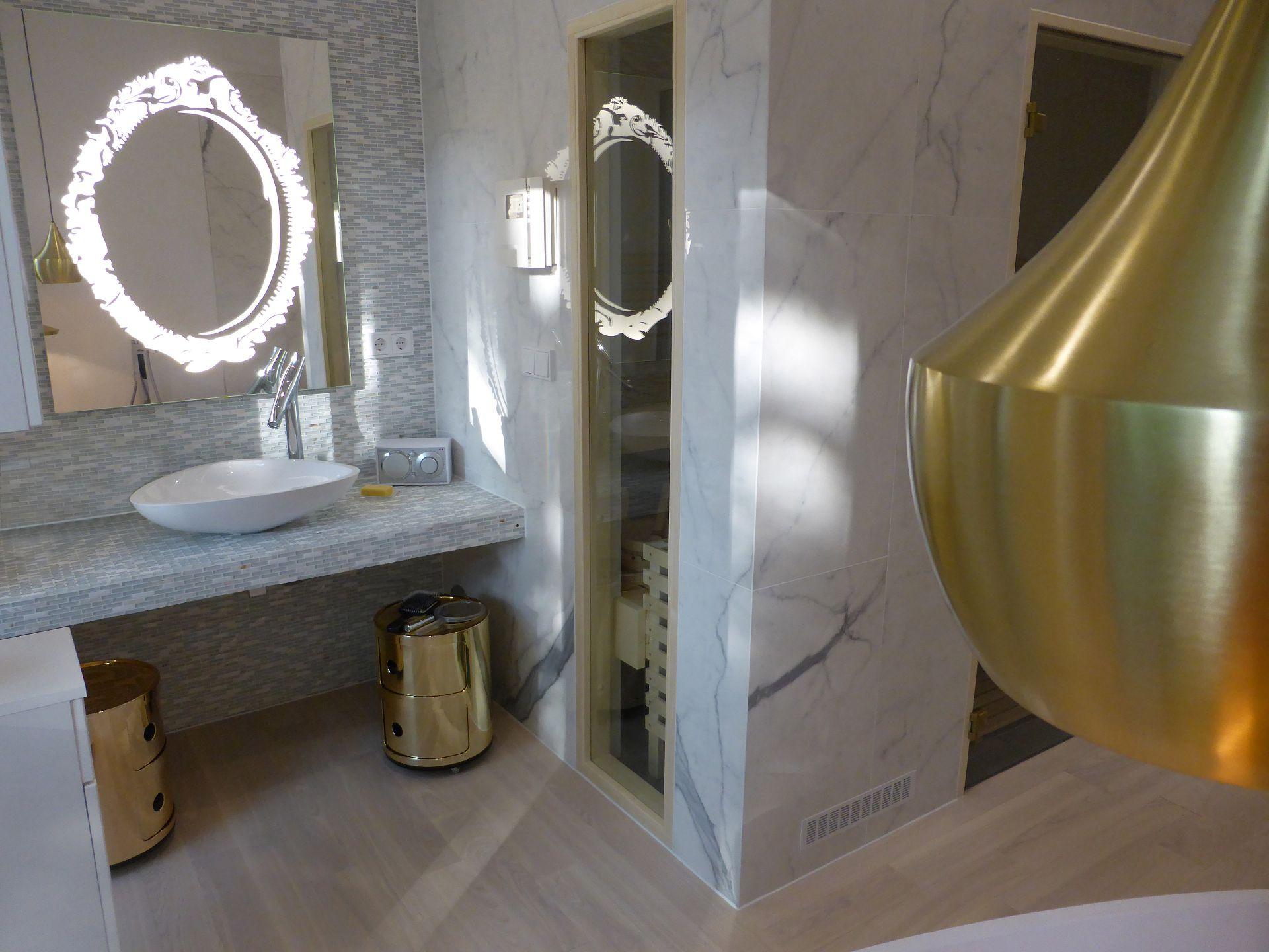 MLE Badezimmerspiegel. Entwurf von JOI-Design.