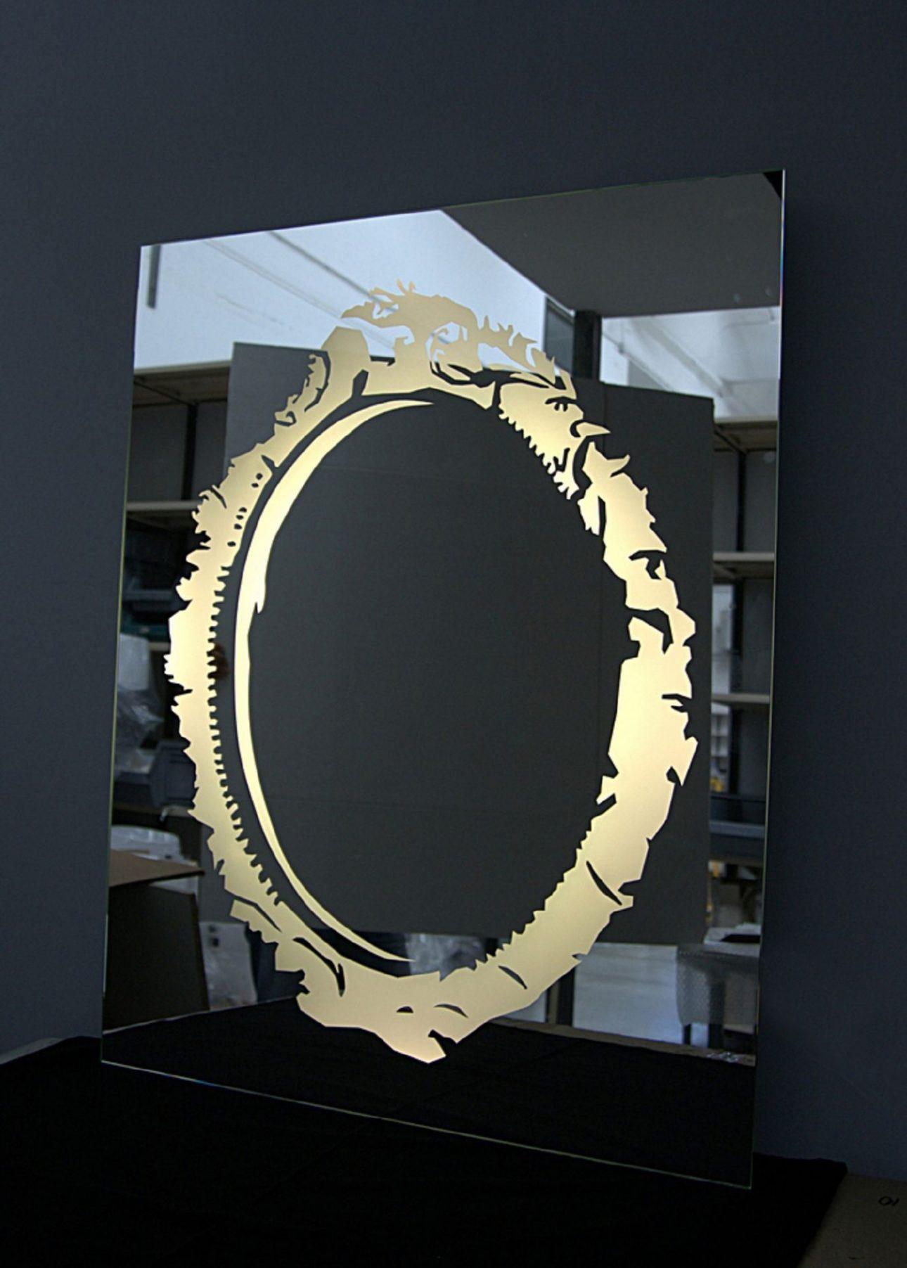 MLE Badezimmerspiegel .Entwurf von JOI-Design.