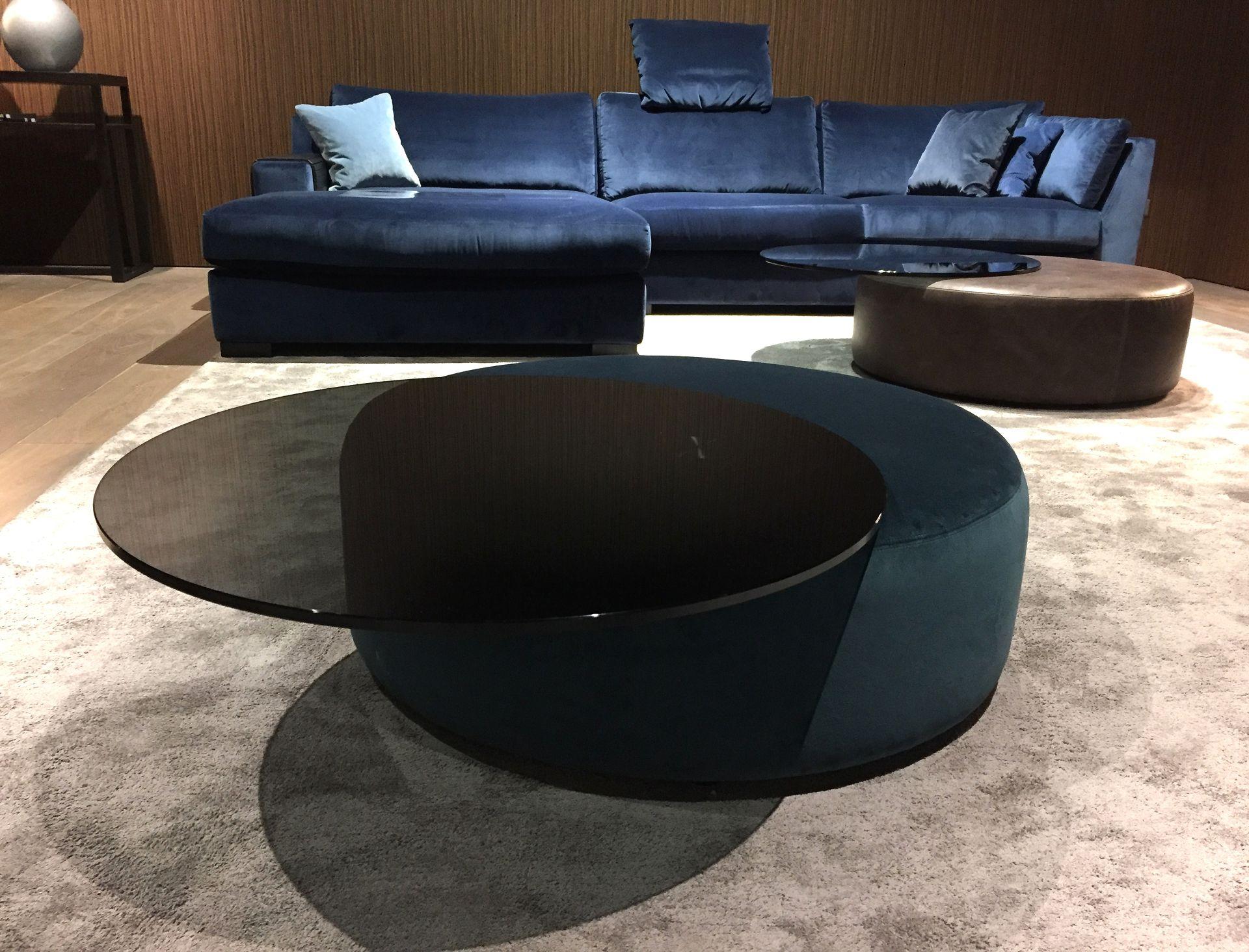 Tisch Hocker Luna Bielefelder Werkstätten. Entwurf von JOI-Design.