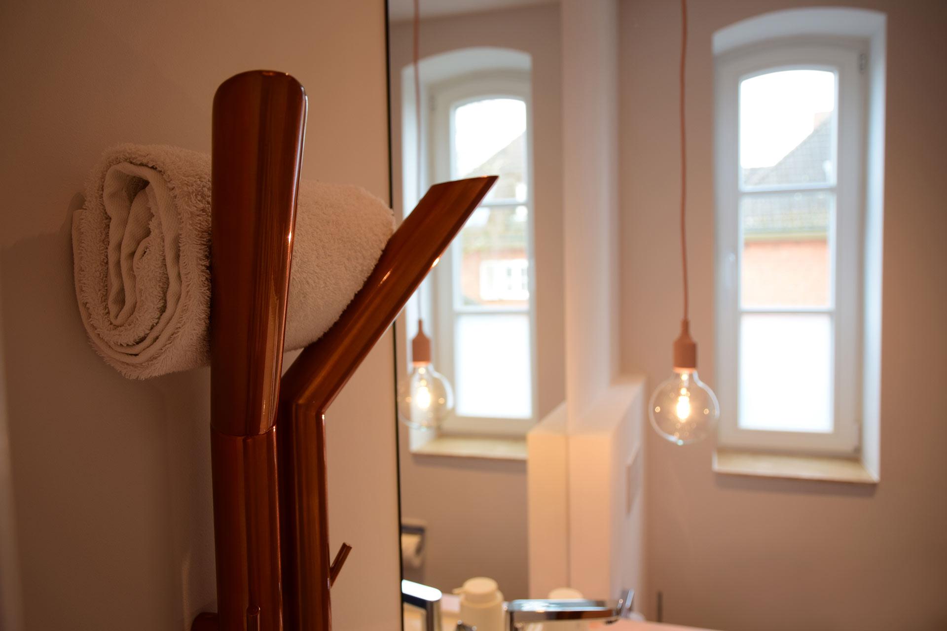 Heizkörper Y Tube von Nordholm. Entwurf von JOI-Design.