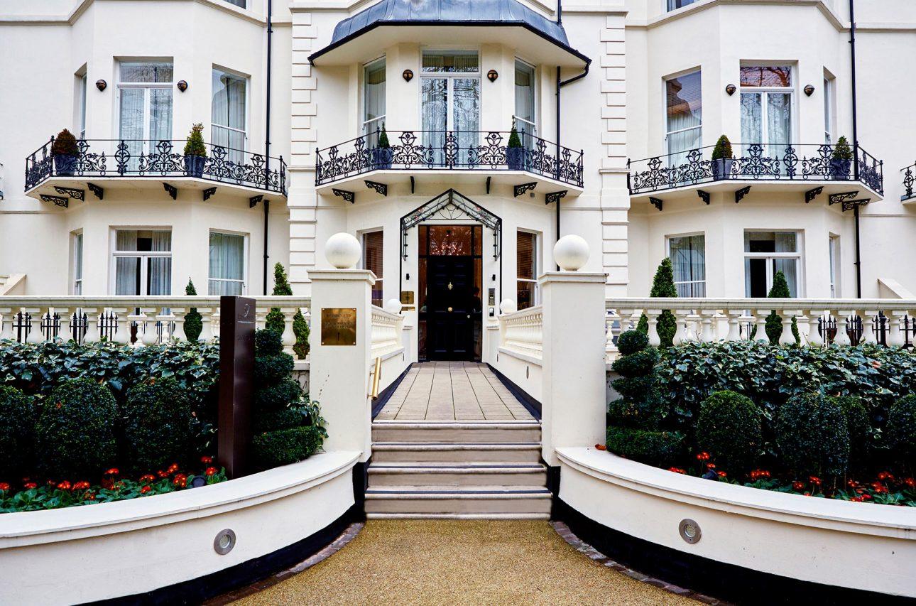 Die Außenansicht des Serviced Apartment Merceds Benz Fraser in London