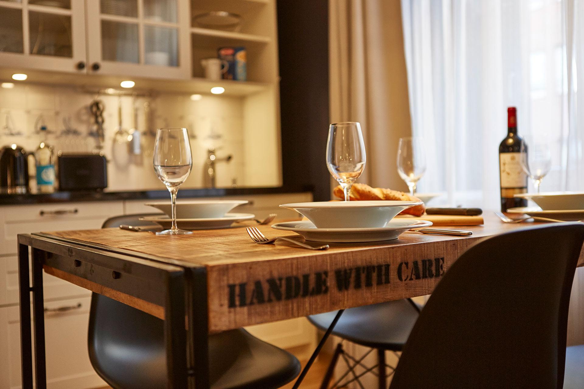 Küche im Apartment im Hapimag Resort in Hamburg. Entworfen von JOI-Design.