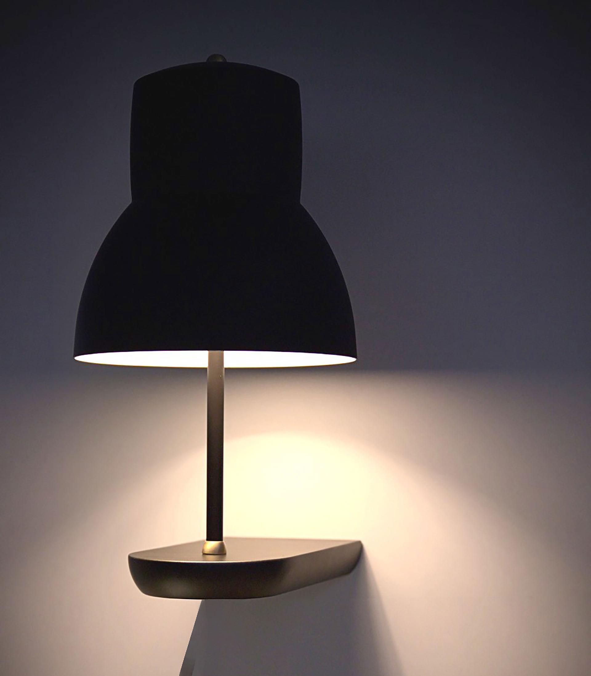 Leuchte Shelf von MLE. Entworfen von JOI-Design.