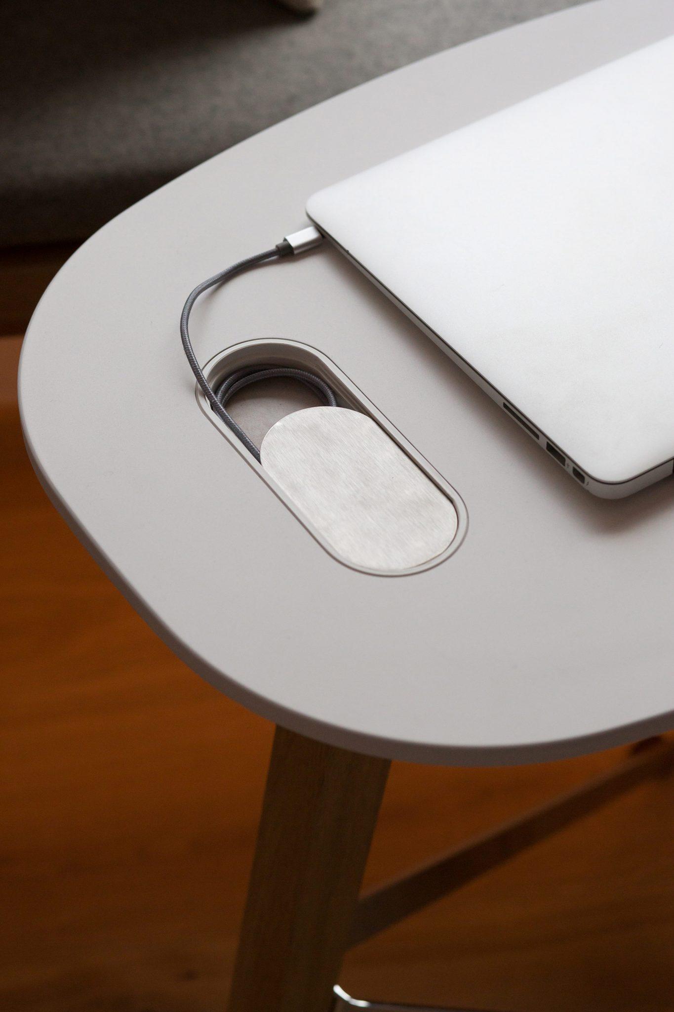 Tisch für Tablet Radisson Blu Frankfurt