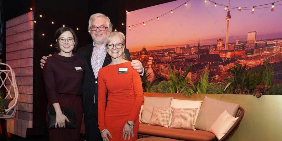 Stephanie Nosek, Peter Joehnk, Corinna Kreteschmar-Joehnk auf der Preisverleihung Hotelier des Jahres 2018
