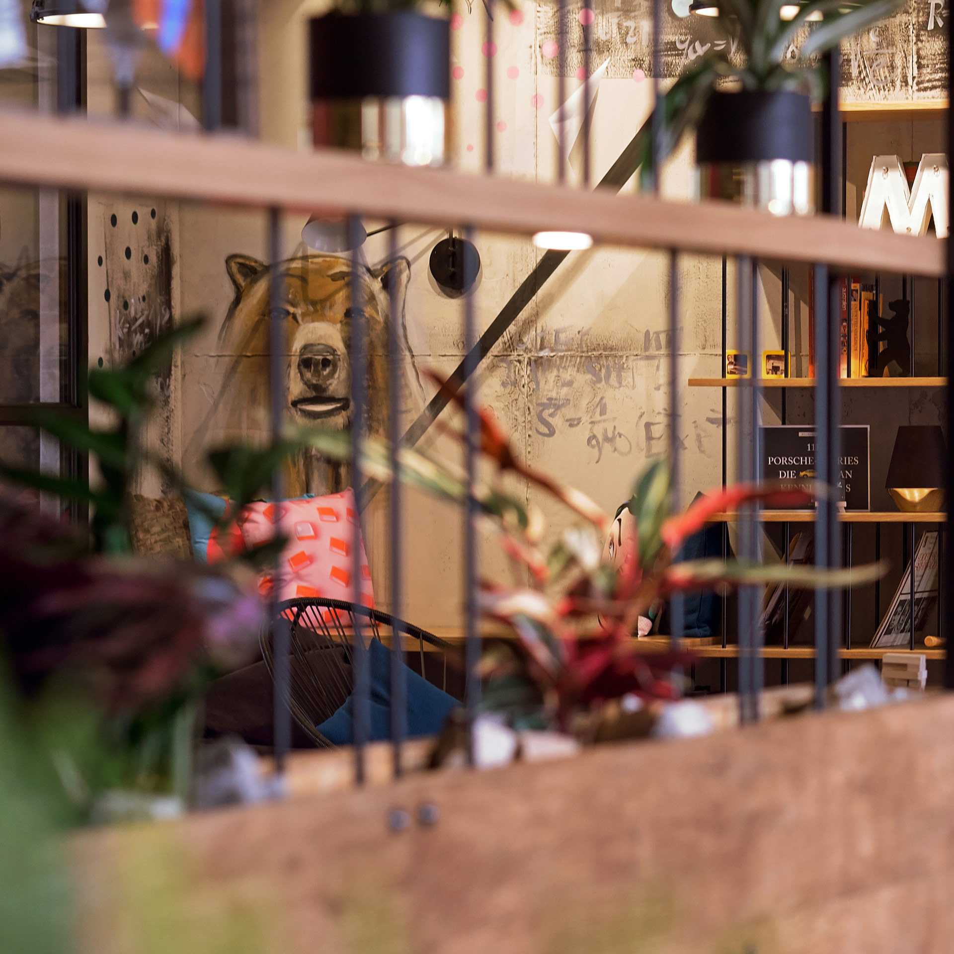 Details aus der Lobby im Moxy Hotel am Humboldtpark in Berlin