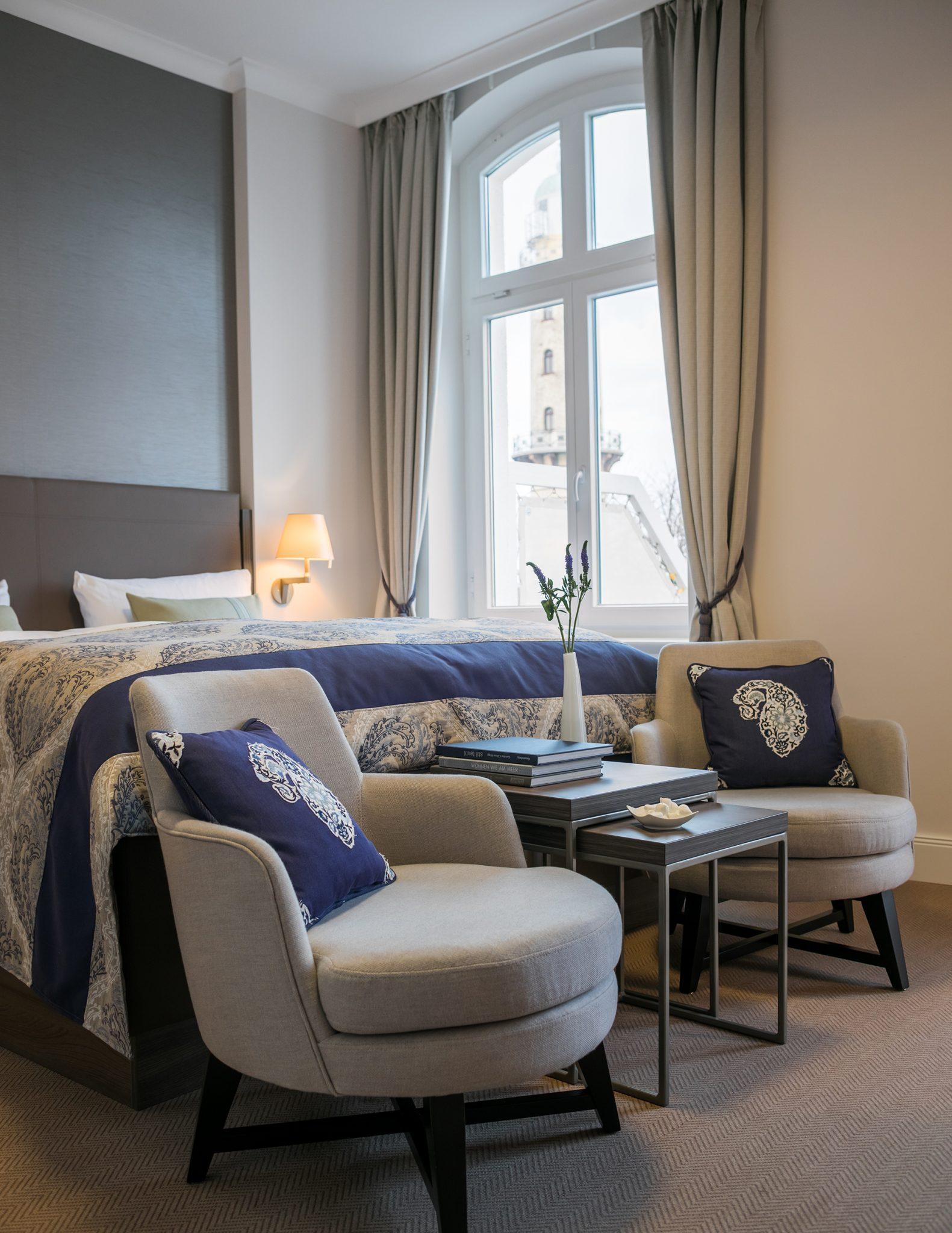 Ein Zimmer im Hotel am Leuchtturm in Warnemünde entworfen von JOI-Design
