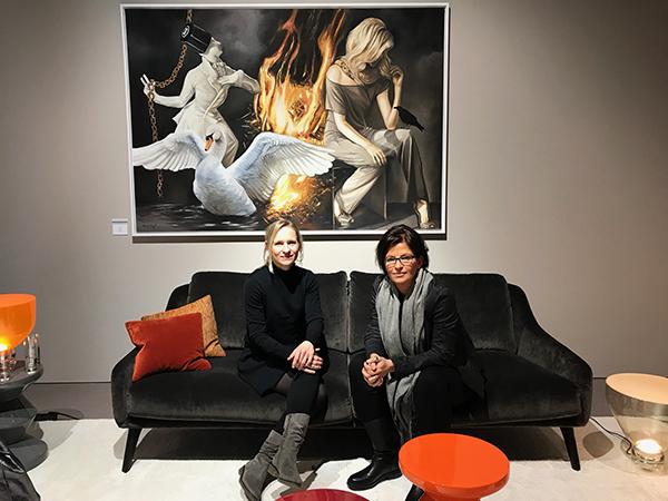 Lisa Krohn-Grimberghe und Katrin Hardeland. Produktdesignerinnen bei JOI-Design auf der IMM in Köln.