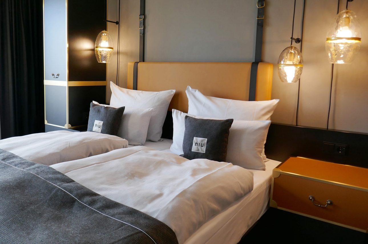 Zimmer im Hotel niu Cobbles by Novum entworfen von JOI-Design