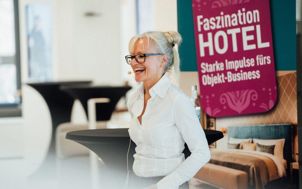 Corinna Kretschmar-Joehnk at her presentation at the arcade event.