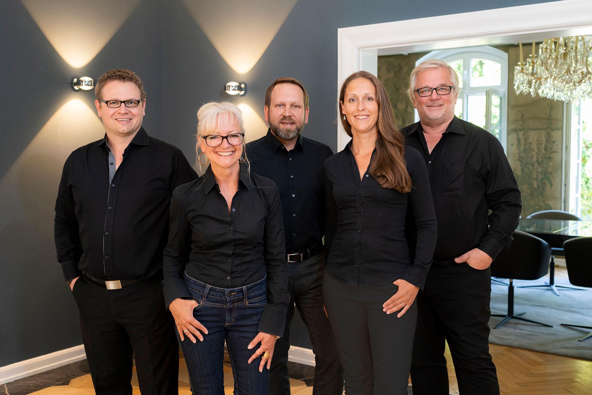 Die Geschäftsführer uCorinna Kretschmar-Joehnk, Peter Joehnk, Sabrina Voecks, Heinrich Böhm und Thomas Scholz von JOI-Design.