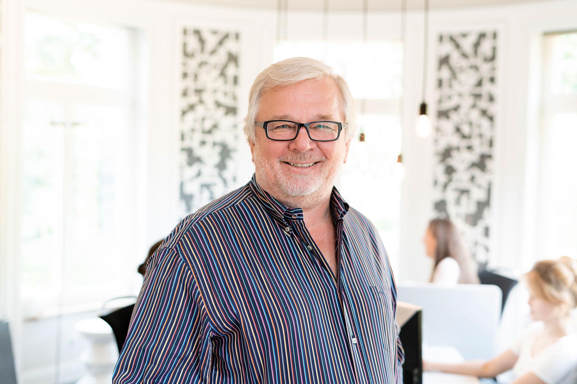 Der Geschäftsführer und Inhaber Peter Joehnk von JOI-Design.