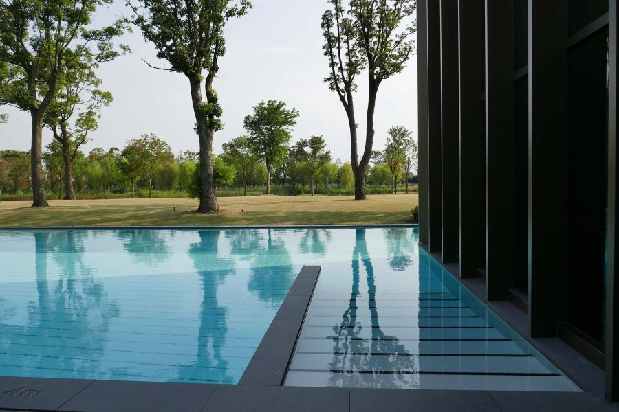 Outdoorf pool pictures of a luxury hotel in Shanghai