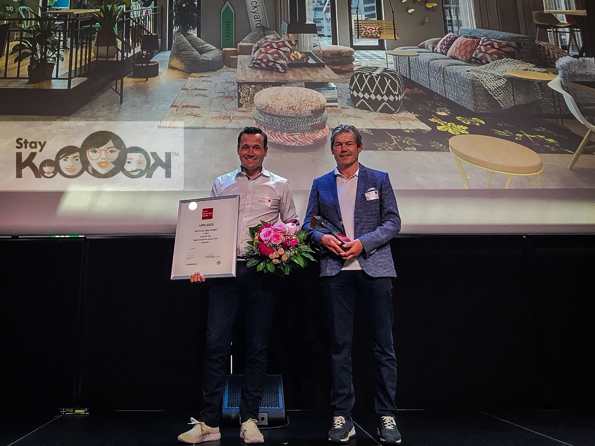 Beat Kuhn on stage at the award ceremony of the Hotel Innovations-Award
